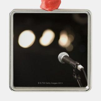 Mikrofon och strålkastarear julgransprydnad metall