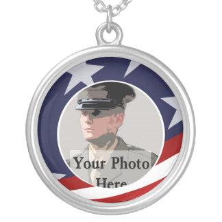 Militär fotominnessak silverpläterat halsband