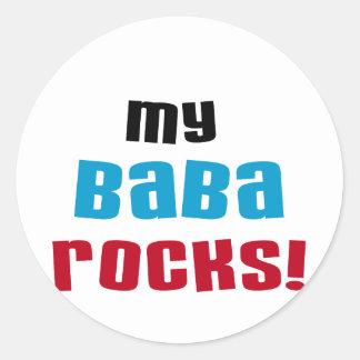 Min Baba vaggar T-tröja och gåvor Runt Klistermärke