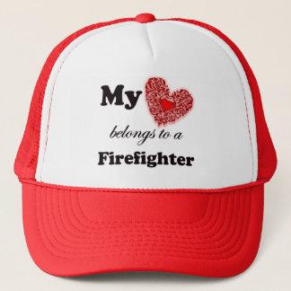 Min hjärta hör hemma till en brandman truckerkeps