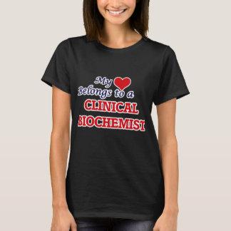 Min hjärta hör hemma till en klinisk Biochemist T-shirt