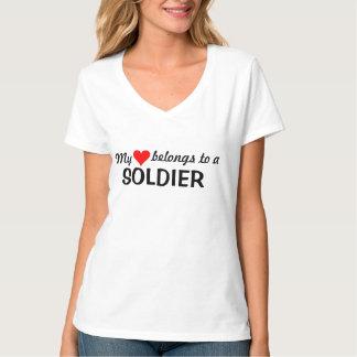Min hjärta hör hemma till en soldat tröjor