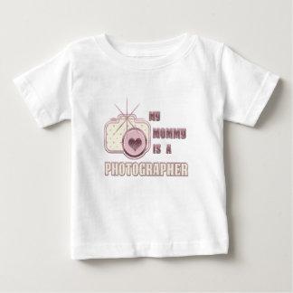 Min mamma är en fotografT-tröjarosa Tee Shirt