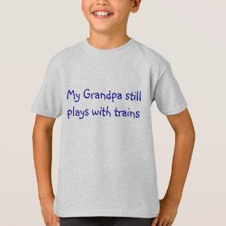 Min morfarstillbildlekar med tåg tee shirts