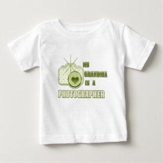 Min mormor är en fotografT-tröjagrönt Tröja