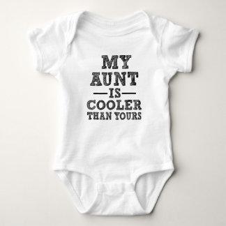 Min moster är kylaren än den din roliga tröjor