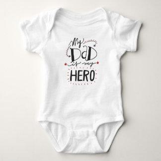 Min pappa är min hjälte t shirt
