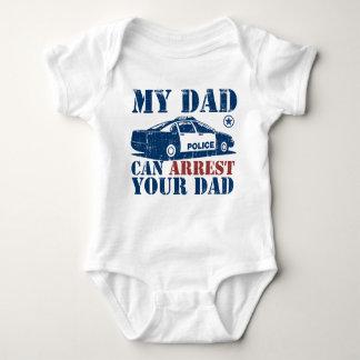 Min pappa kan arrestera din pappa tee