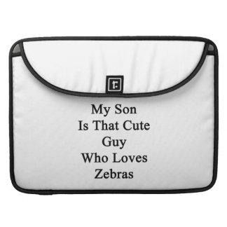 Min Son är den gulliga grabb som älskar zebror Sleeve För MacBook Pro