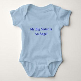 Min storasyster är en ängel t-shirt