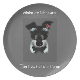 Miniatyrschnauzer hjärtan av vårt hem tallrik