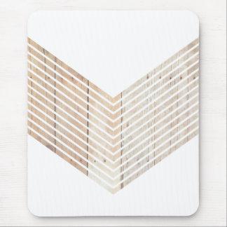Minimalist sparre för vit med trä mus mattor
