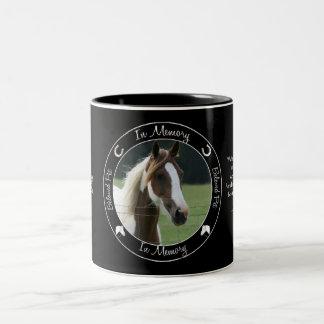 Minnesmärke - förlust av hästen - beställnings- Två-Tonad mugg