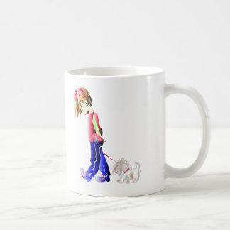Minnie-mig! Pojke som går Westie hundkonst Kaffemugg