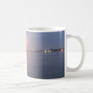 Mississippi River soluppgångmugg Kaffemugg