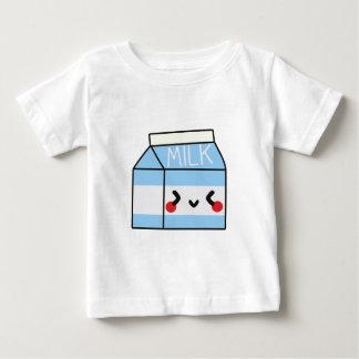 MJÖLK paketerar Tshirts