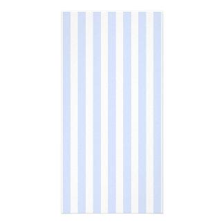 Mjuk baby blue blek himmelblått- och vitrand fotokort