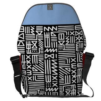 moderiktig stam- trycksvart som en messenger/kurir kurir väskor
