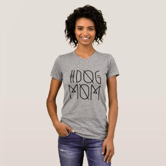 Moderiktiga kvinna för Hashtag hundmamma T-tröja T Shirts