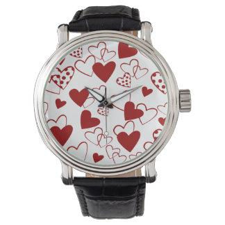 Moderiktigt röd och för vithjärtamönster armbandsur