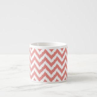 Moderiktigt rosa sparreIkat mönster Espressomugg