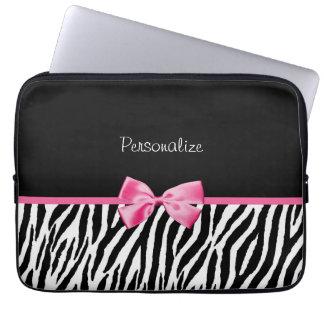 Moderiktigt svartvitt zebra tryckrosaband datorskydds fodral