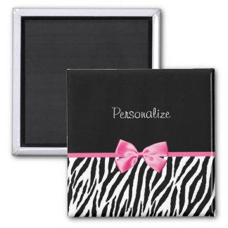 Moderiktigt svartvitt zebra tryckrosaband magnet