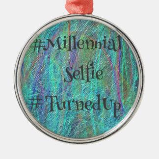 Modern blåttabstrakt Millennial Selfie TurnedUp De Rund Silverfärgad Julgransprydnad