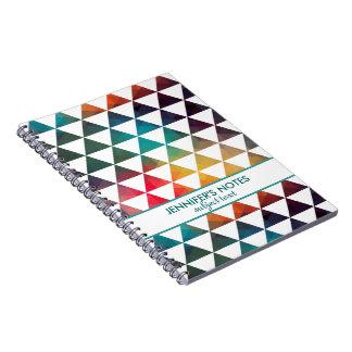 Modern design för färgrika geometriska trianglar anteckningsbok med spiral