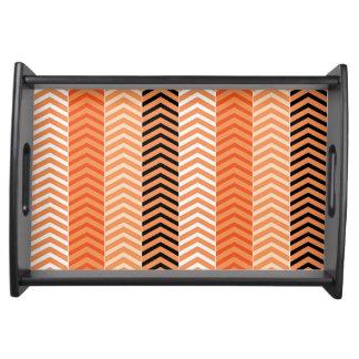Modern orange nyanserat sparrerandmönster serveringsbricka