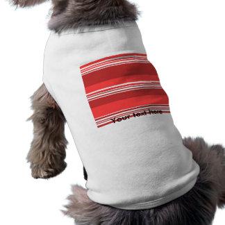 Moderna röda och vitrandar långärmad hundtöja