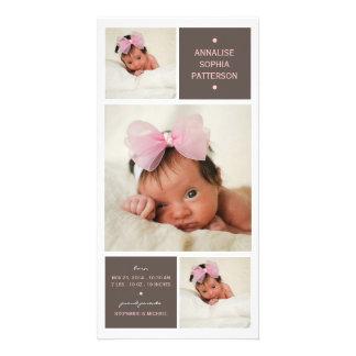 Modernt meddelande för födelse för Triofotoflicka Fotokort
