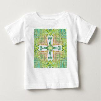 Modernt mönster för flott chic pastellkor t-shirts
