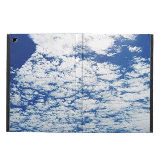 Molnig djupblå himmel iPad air fodral