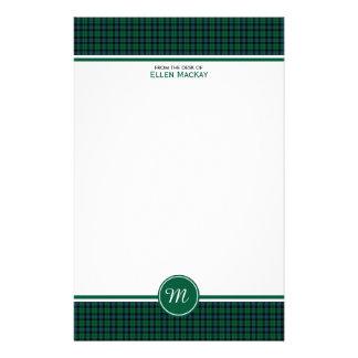 Monogram för pläd för grönt för MacKay klanTartan Brevpapper