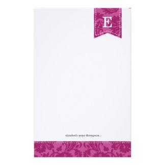 Monogram för purpurfärgad vintage för bär damastas brevpapper