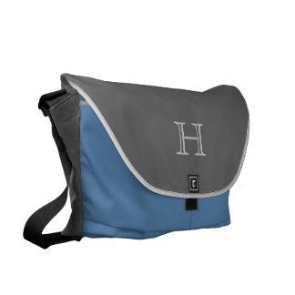 Monogram-, grå färg- och blåttmessenger bag kurir väska