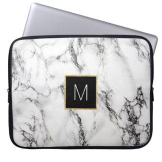 monogram på marmor laptop fodral