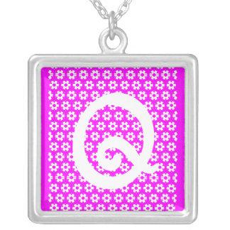 Monogram Q Silverpläterat Halsband