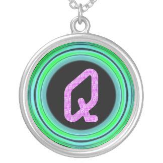 """Monogram """"Q """", Silverpläterat Halsband"""