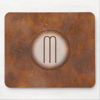 Monogrammed Photorealistic rostad metall Musmatta