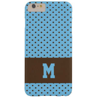 Monogrammed polka dots i brunt på blått barely there iPhone 6 plus skal