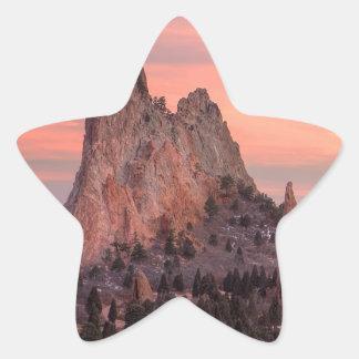Monolit på solnedgången stjärnformat klistermärke