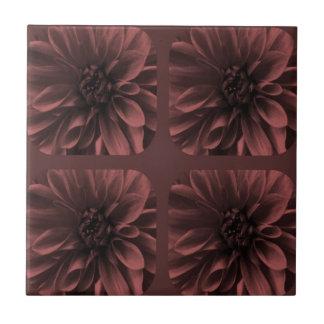 Mönster för blomma för Marsala CollageDahlia Kakelplatta