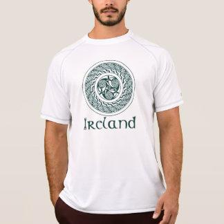 Mönster för CelticKnotwork irländskt medaljong i Tee Shirt