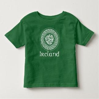 Mönster för CelticKnotwork irländskt medaljong i Tee Shirts