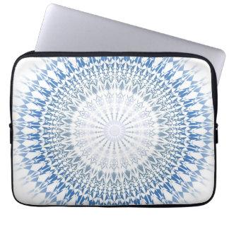 Mönster för Mandala för blåttvitsparre Laptop Sleeve