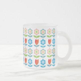 mönster för röda tulpan för tLittle scandinavian Frostad Glas Mugg