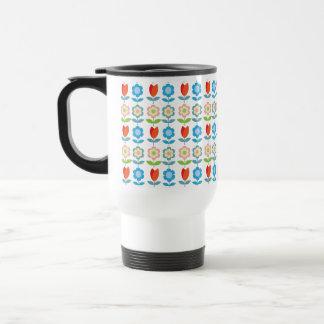 mönster för röda tulpan för tLittle scandinavian Kaffe Koppar