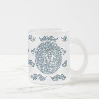 Mönster för silverglittermustasch din Monogram Frostad Glas Mugg